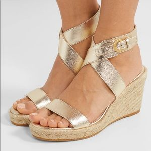 Stuart Weitzman the ZUZU wedge